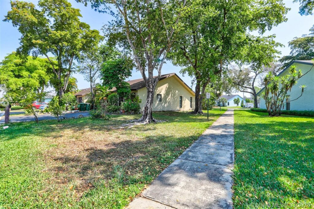 8102 NW 100th Dr 14