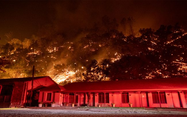 California Wildfires, Still Raging, Have Destroyed 1,200 Homes and Commercial Buildings