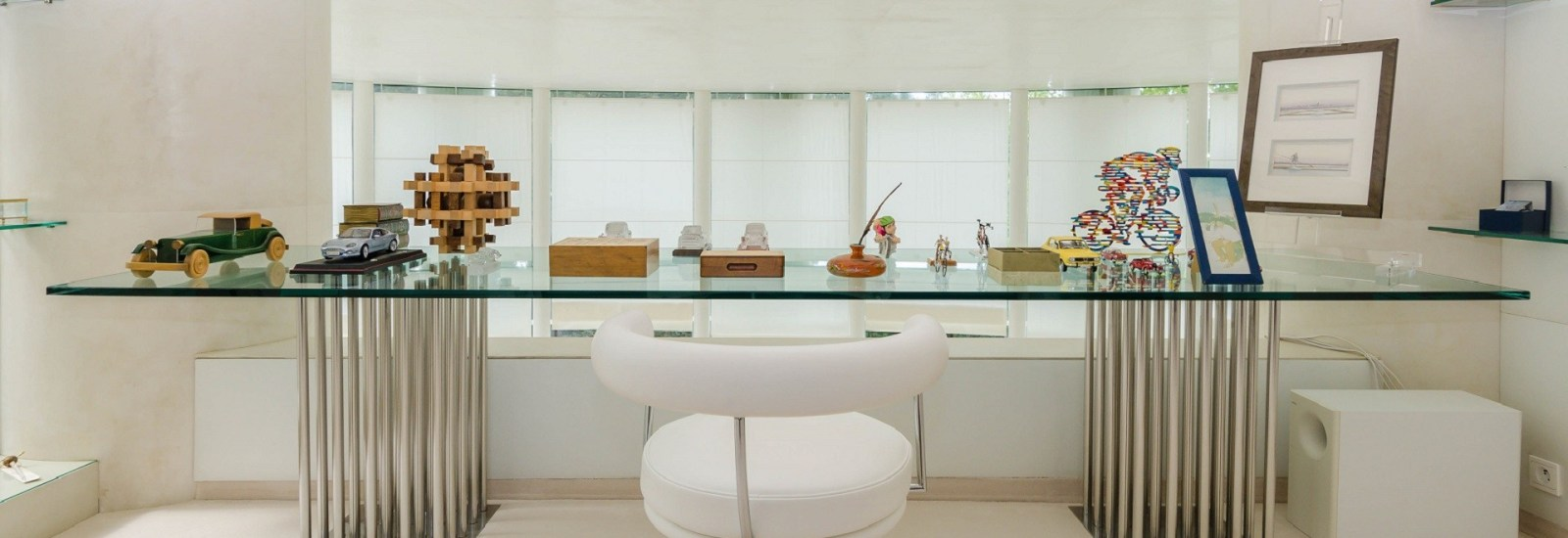 Working from Home: 10 Luxurious Offices and Studies