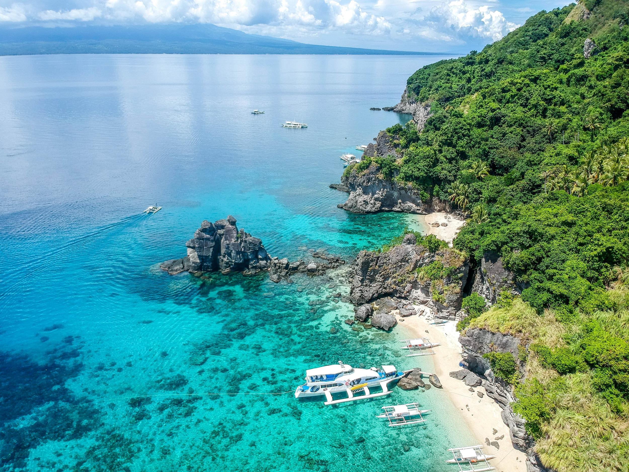 TOP 8 Sailing Destinations To Visit This Fall