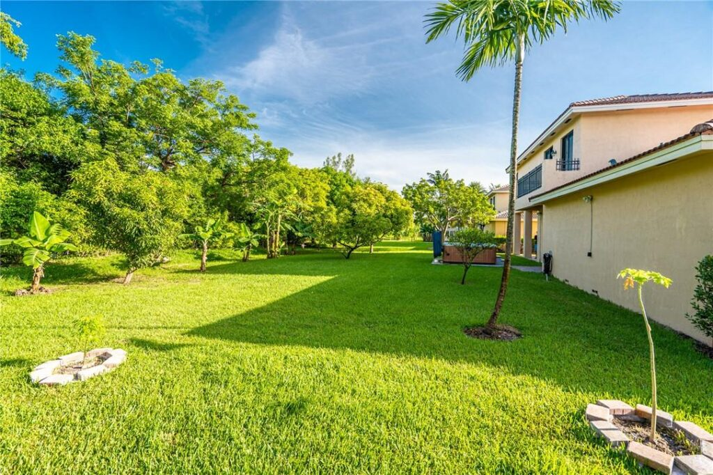 2112 SW 195th Ave 28